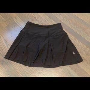 Lulu Lemon pace rival skirt